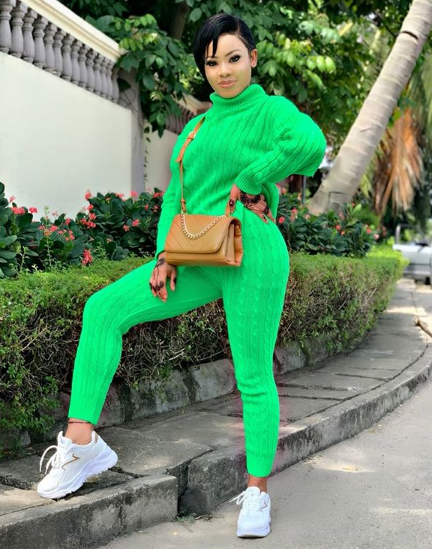 Nina's outfit has to spur up lots of comments from her followers on social media and the addition of motivational quote mates it beautiful to attract more comments.